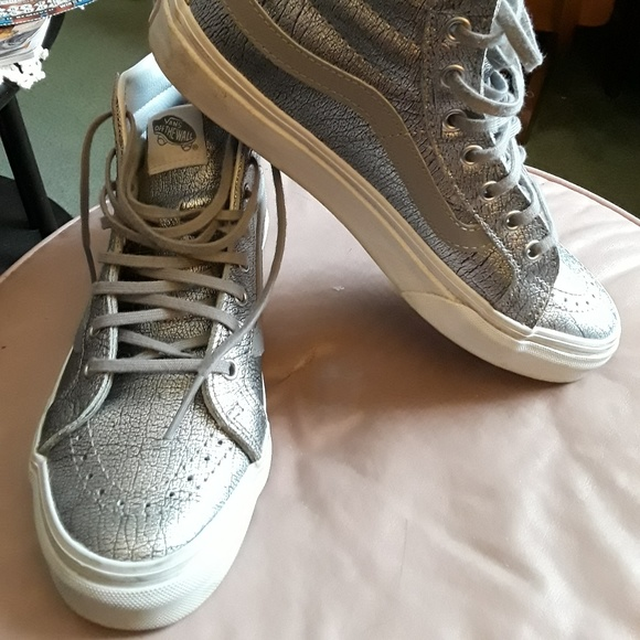 b94777c8d898e4 Vans metallic silver high tops